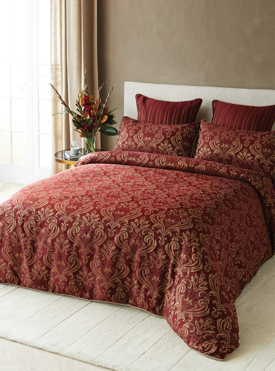 Ruby Jacquard Quilt Cover Set  King